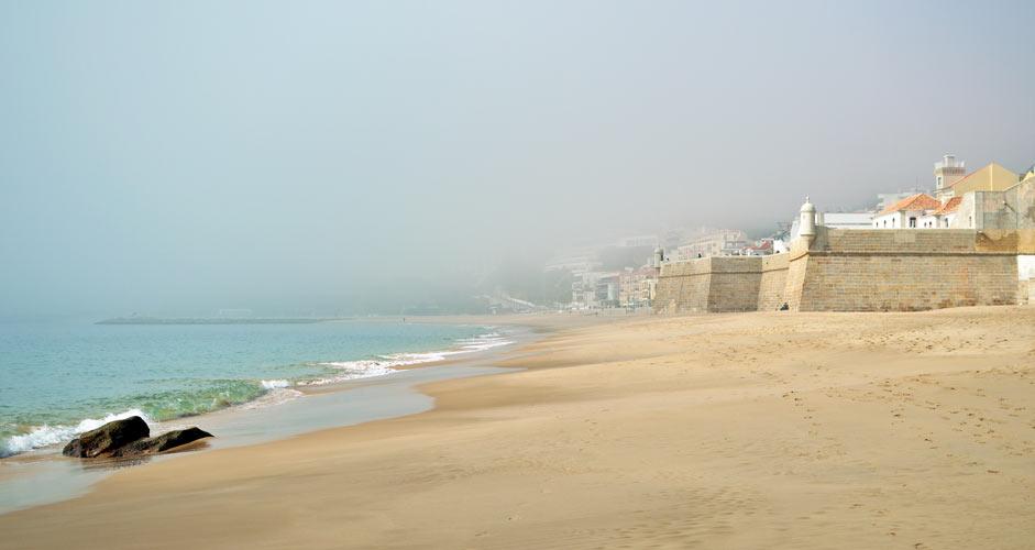 Fortaleza de Santiago and the Sesimbra beach